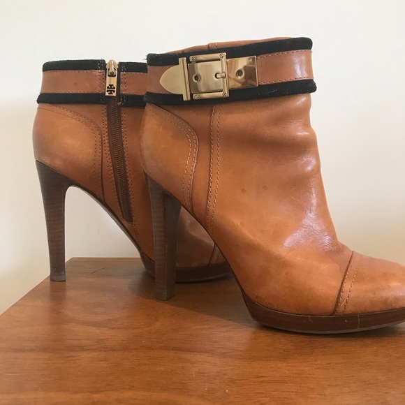 83227788808 Tory Burch Camel Ankle Boots. M 5b561db05fef37a8378d1fb6